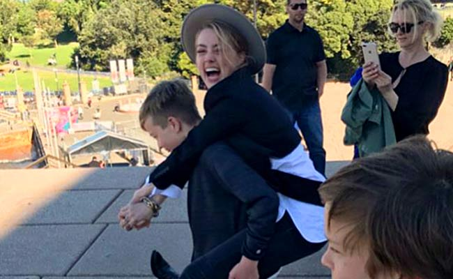 Amber Heard  с детьми Elona Muska