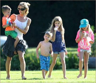 Дениз Ричардс с детьми: Бобом, Максом, Сэм и Лолой, лето 2013