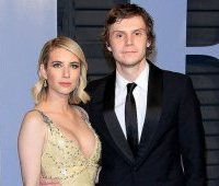 emma-roberts-i-evan-peters
