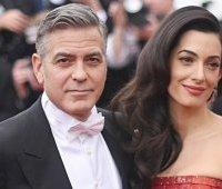Джордж Клуни с женой Амаль Аламуддин