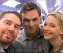 Jennifer-Lawrence и Nicholas-Hoult на съёмках