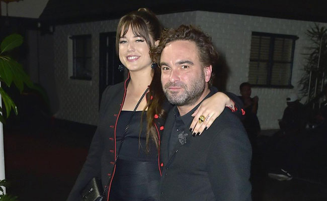 Johnny Galecki и Alaina Meyer