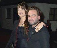 Johnny Galecki и Alaina Meyer
