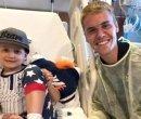 Justin-Bieber-v-detskom-hospitale-2017