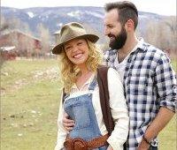 Кэтрин Хейгл и Джош Келли на ранчо