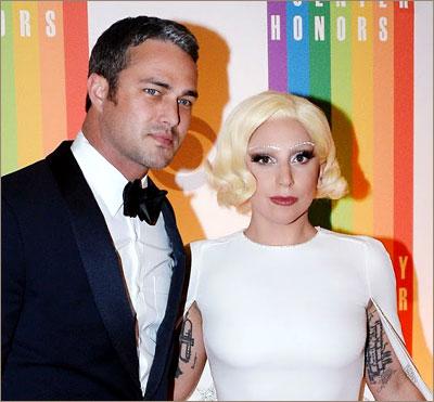 Леди Гага и Тейлор Кинни помолвлены