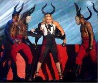 Мадонна на церемонии Brit Awards 2015