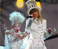 Тейлор Свифт открывает Grammy 2013