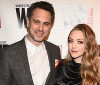thomas-sadoski-i-amanda-seyfried-2019